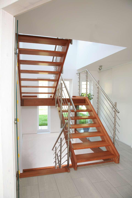 treppen hildner treppen und holzbau. Black Bedroom Furniture Sets. Home Design Ideas
